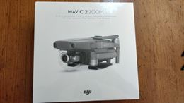 Mavic 2 Zoom + 1 batteria e un set di eliche