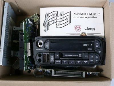 Autoradio stereo Jeep Chrisler (cherokee ecc) per ricambi