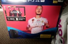Sony ps4 pro 1TB bundle fifa 20